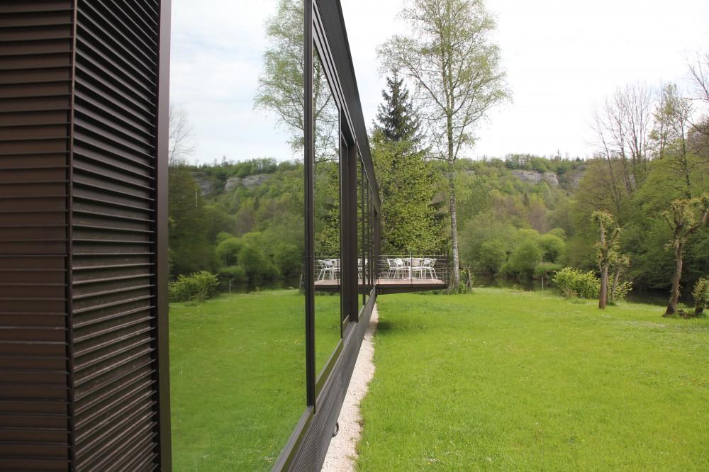 Pavillon-a-vaucluse-france-129-975-2