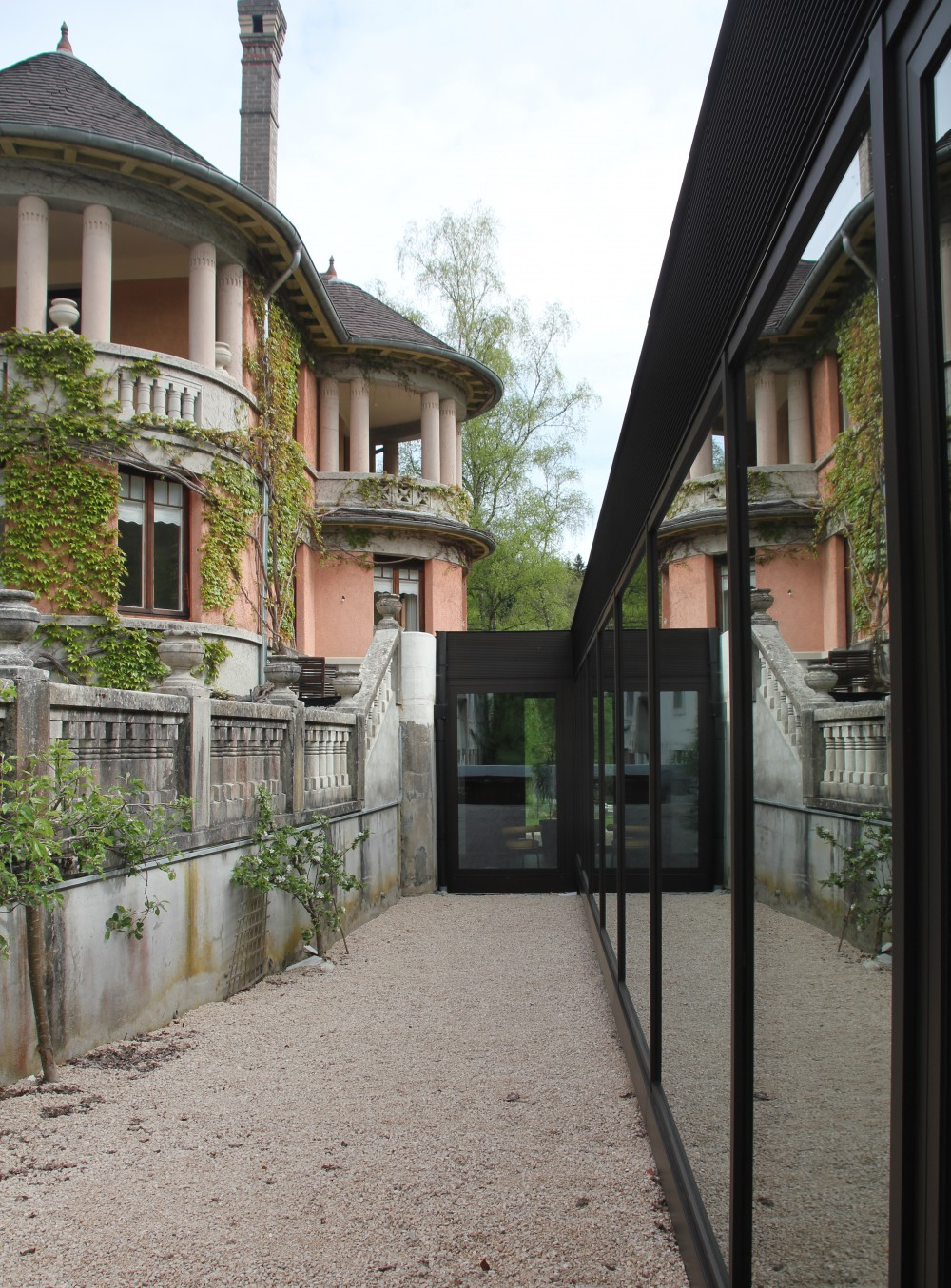 Pavillon-a-vaucluse-france-129-978-5